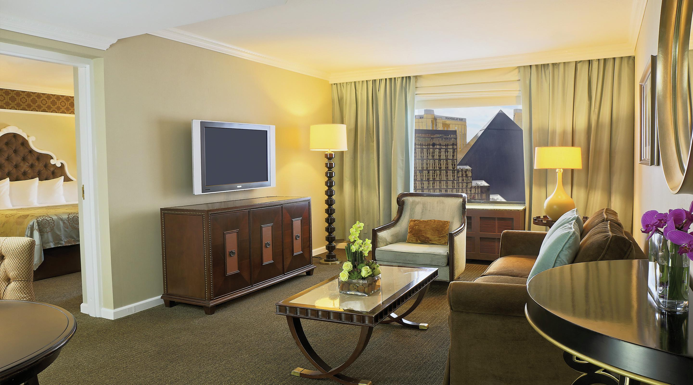 hotels with 2 bedroom suites excalibur hotel 2 bedroom suite psoriasisguru 18874