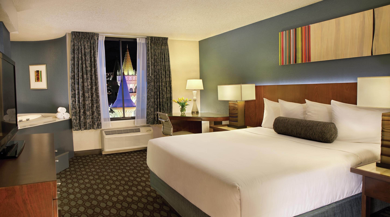 Royal Superior King At Excalibur Hotel Las Vegas Mgm Resorts