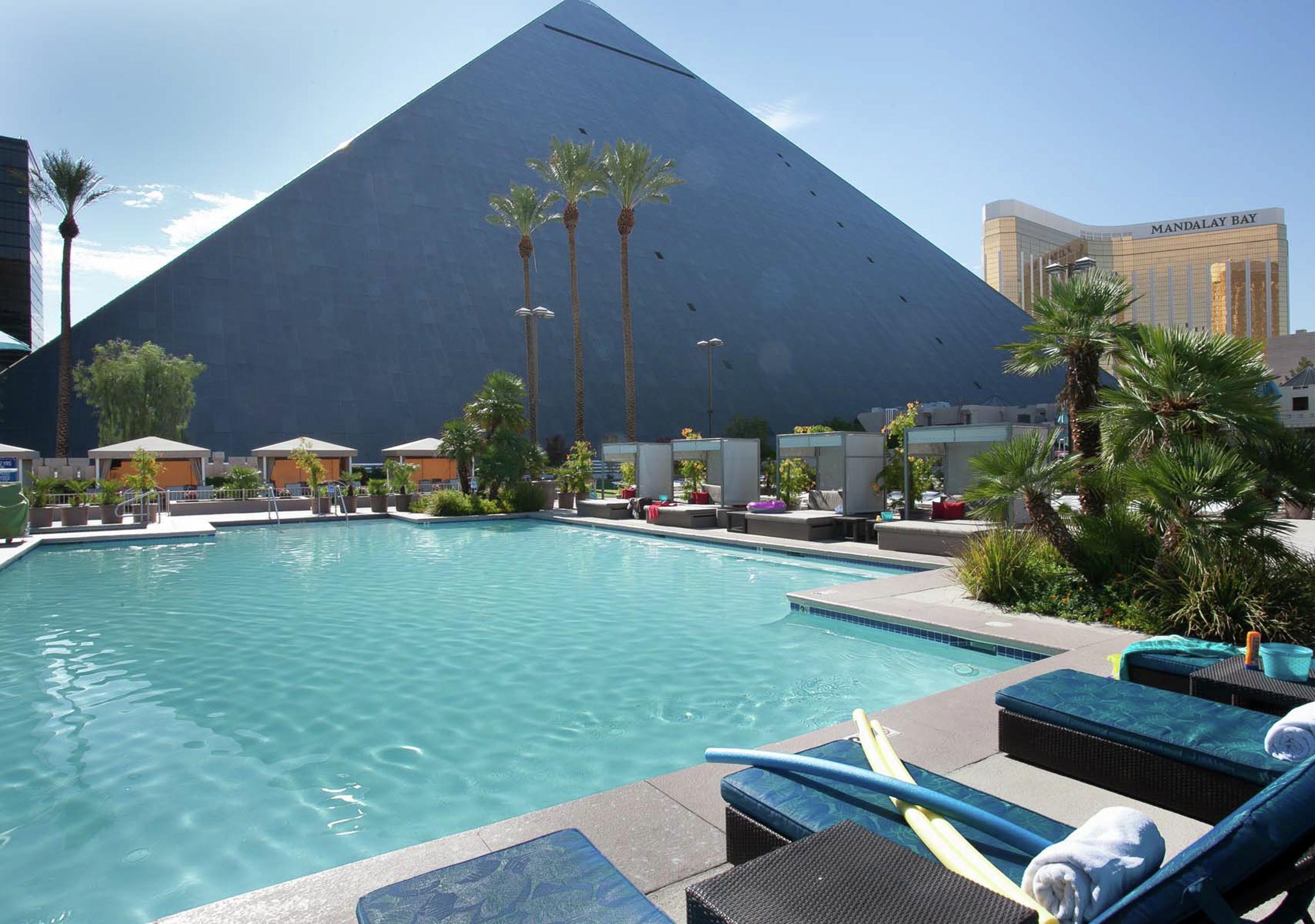Pools Amp Cabanas The Pool At Luxor Mgm Resorts