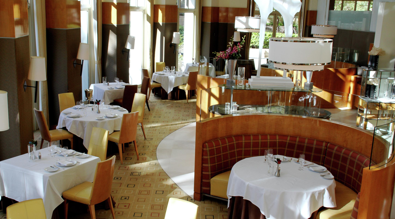 Restaurant Amp Wine Bar Aureole At Mandalay Bay Mgm Resorts